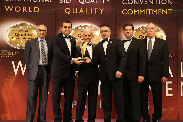 Este Restaurant won the World Quality Commitment Award